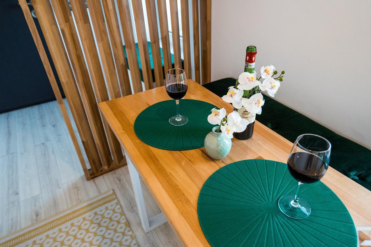 Amenajare de Interior apartament 3 camere Airbnb bucatarie 3