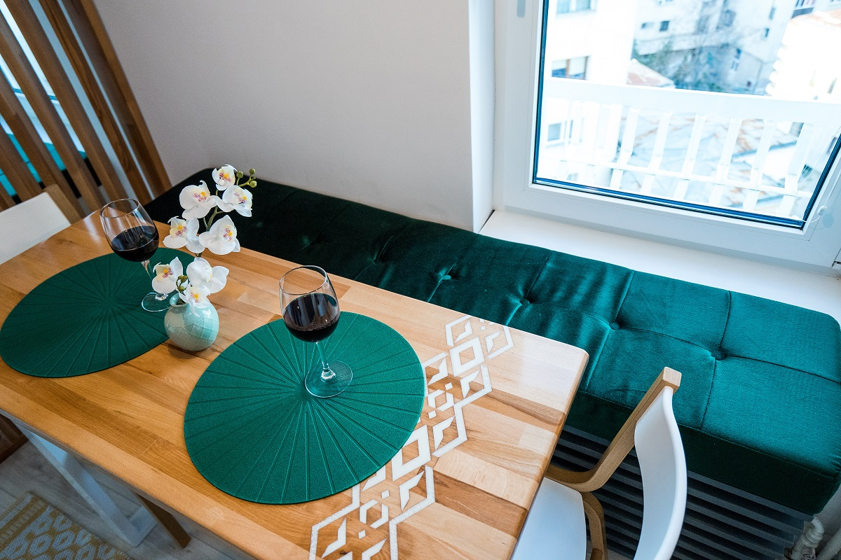 Amenajare de Interior apartament 3 camere Airbnb bucatarie 9